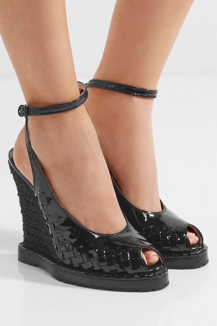 Bottega Veneta   Intrecciato patent-leather espadrille wedge sandals   NET-A-PORTER.COM