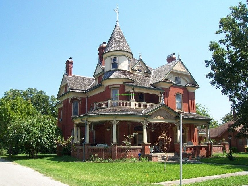 Victorian home plans feature Victorian ornamental gingerbread trim ...