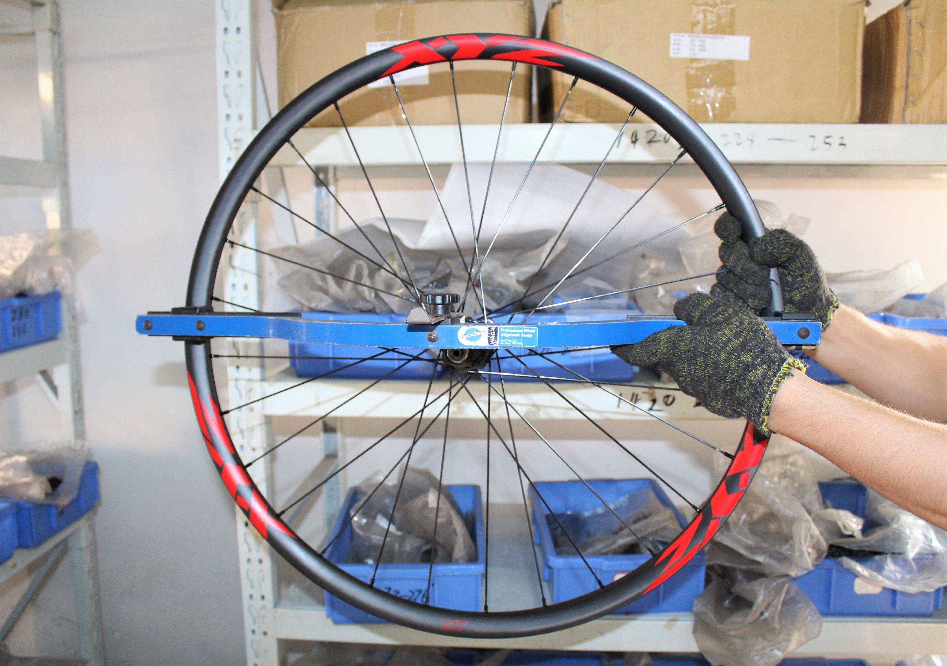 Check A Carbon Wheel For Adequate Lateral Side To Side True The