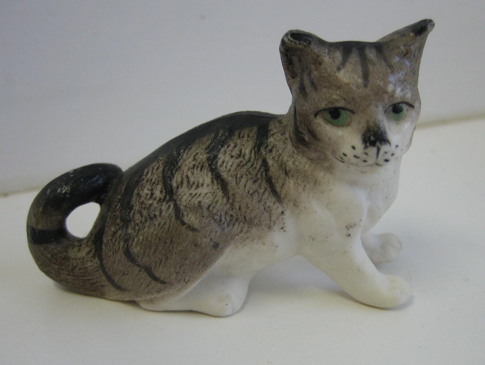 catgryporjpg 19241448 catgryporjpg 19241448 Antique Doll