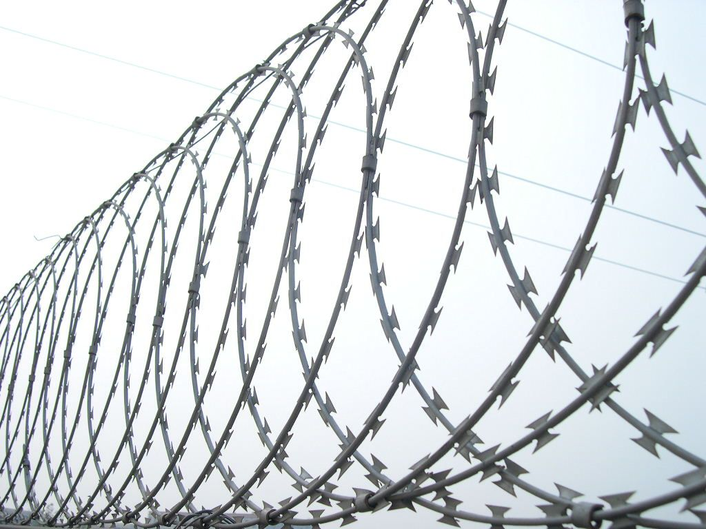 Concertina razor barbed wire is for security and isolation, etc ...