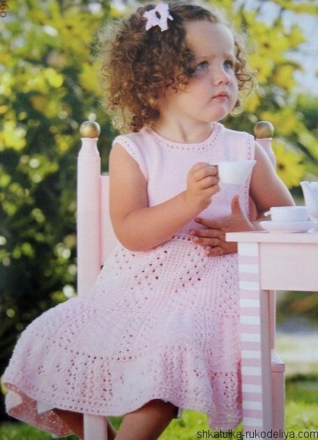 Розовое платье спицами для девочки. Связать платье девочке 3 года