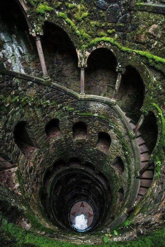 Pin de rei ru en home stairs pinterest escalera lugares escaleras espirales lugares abandonados lugares de fantasa lugares hermosos impresionante tierra fotos divertidas fandeluxe Images