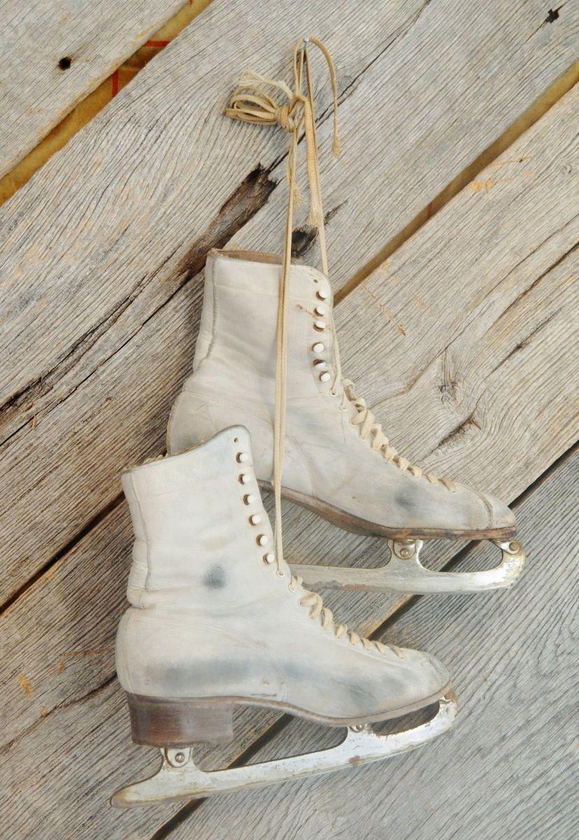 Women\'s White Vintage Ice Skates Black Aged Patina Christmas Winter ...