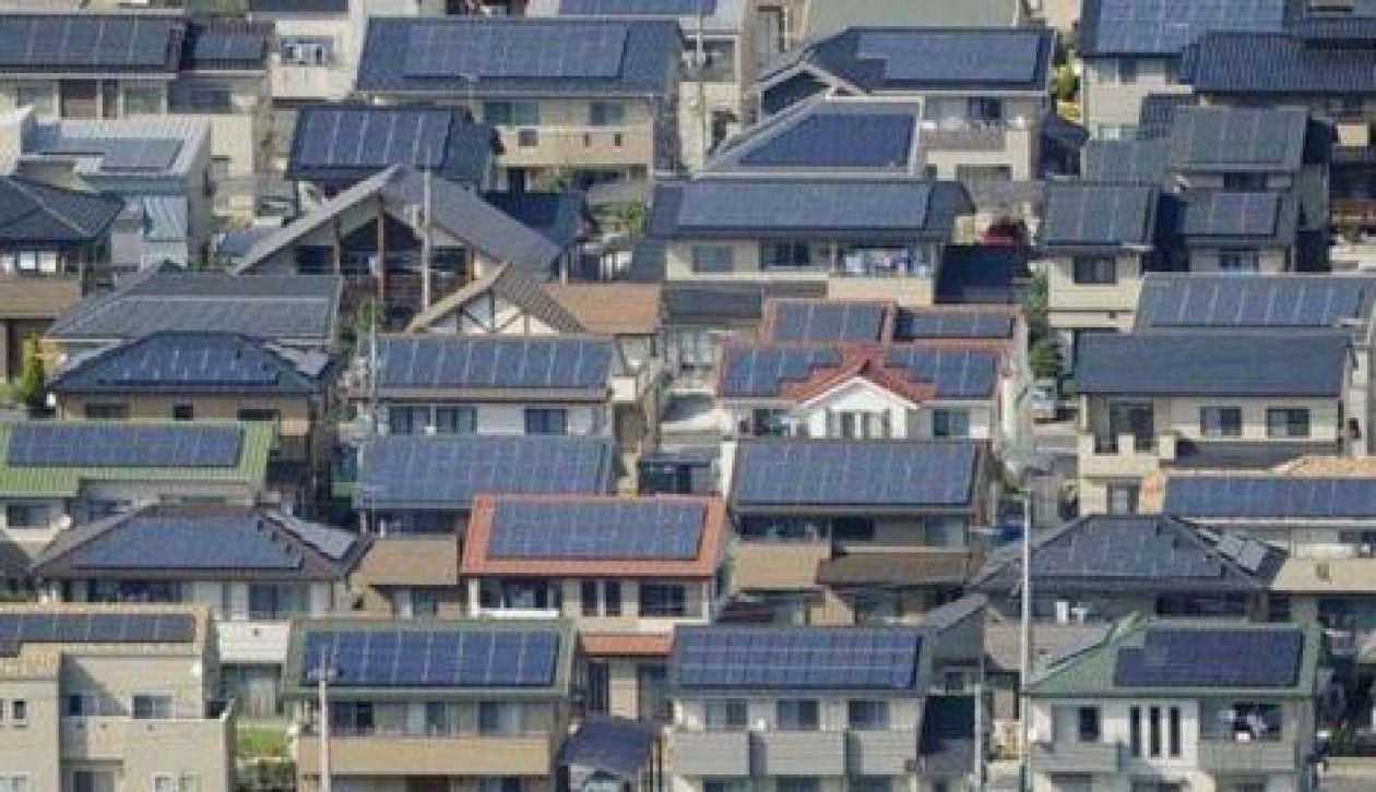 ENERGIA SOLAR EM MINHA RESIDÊNCIA, PRECISA OU NÃO DE BATERIAS?