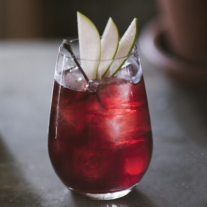 10 Vodka Cocktails That Are Perfect For Winter
