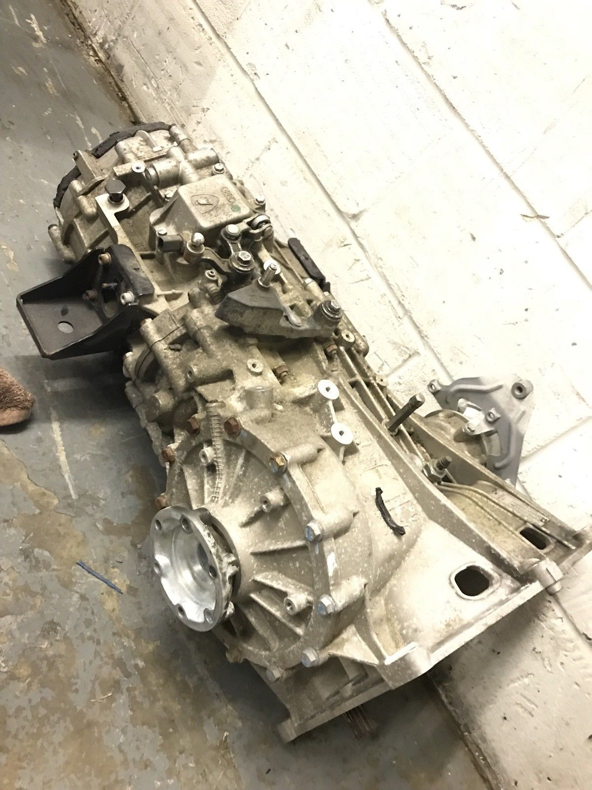 Audi R8 Gearbox 2011 V8 V10 8 000 Miles Used Complete Fully Functioning Ebay Audi R8 Audi Function