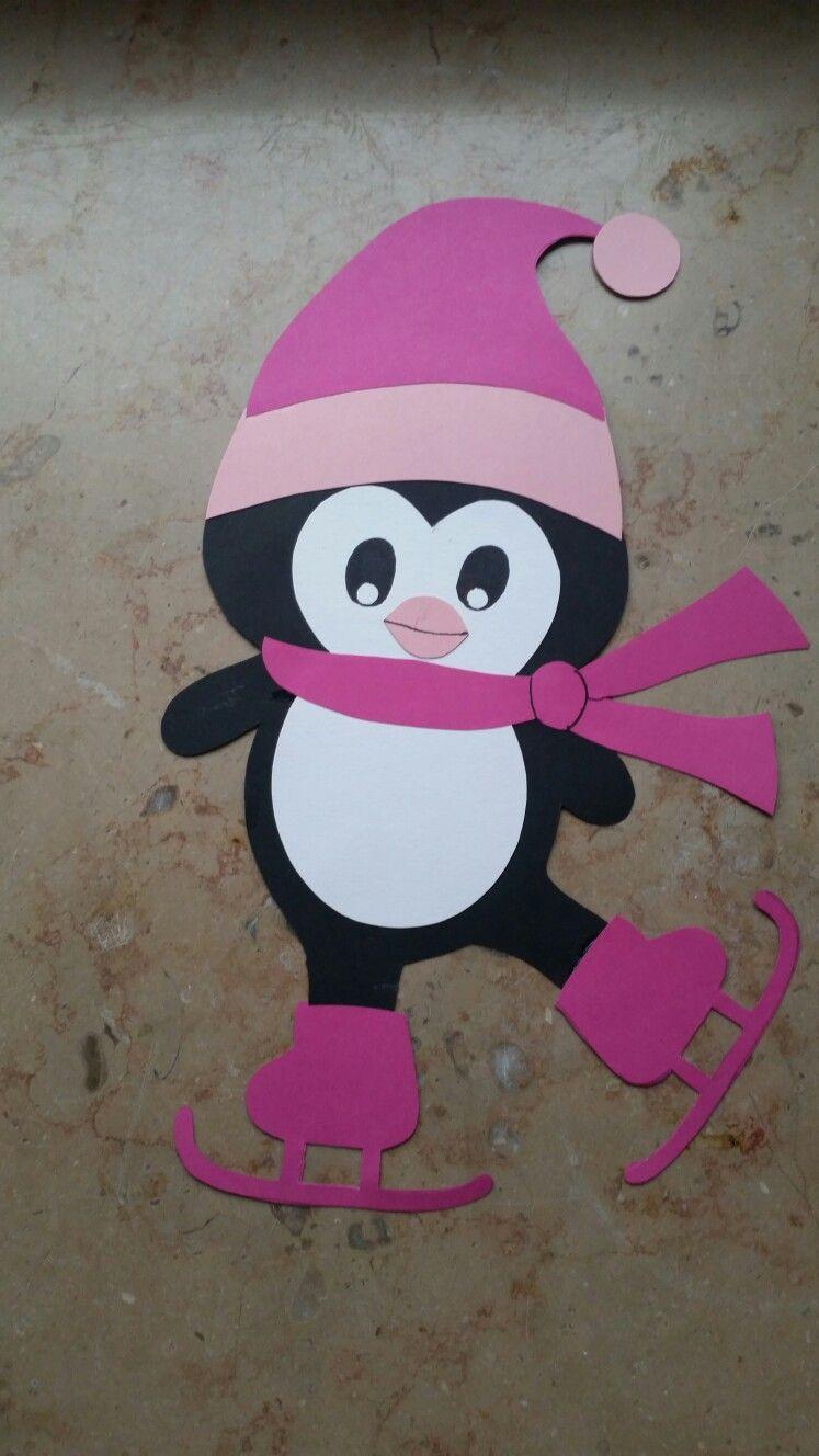 fensterbild winter pinguin auf schlittschuhen