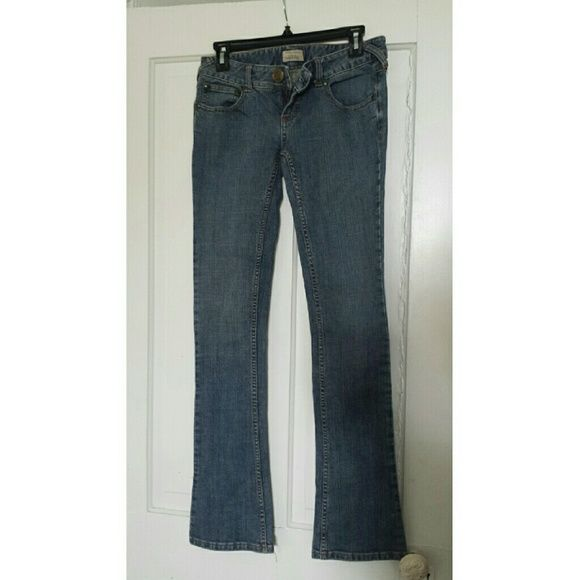 ✔SALE✔Free People Jeans Never worn by me. In great condition :) Feel free to make offers. Free People Jeans