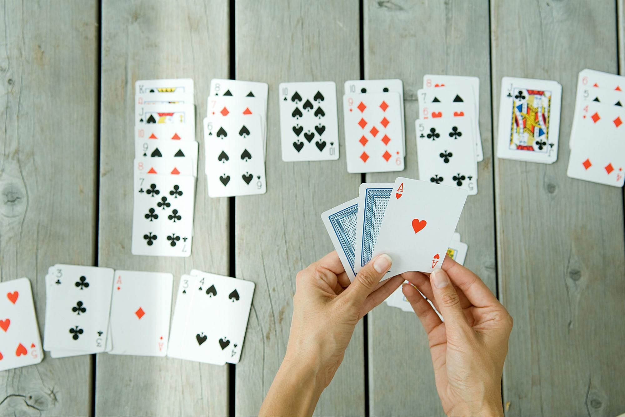 Learn how to play Baker's Dozen Solitaire, a solitaire