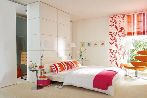 white bedroom with orange chair Chambre / Bedroom Pinterest