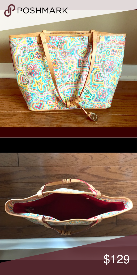 Dooney & Bourke Leather Tote Fun leather tote, gently used and appearing new! Dooney & Bourke Bags Totes