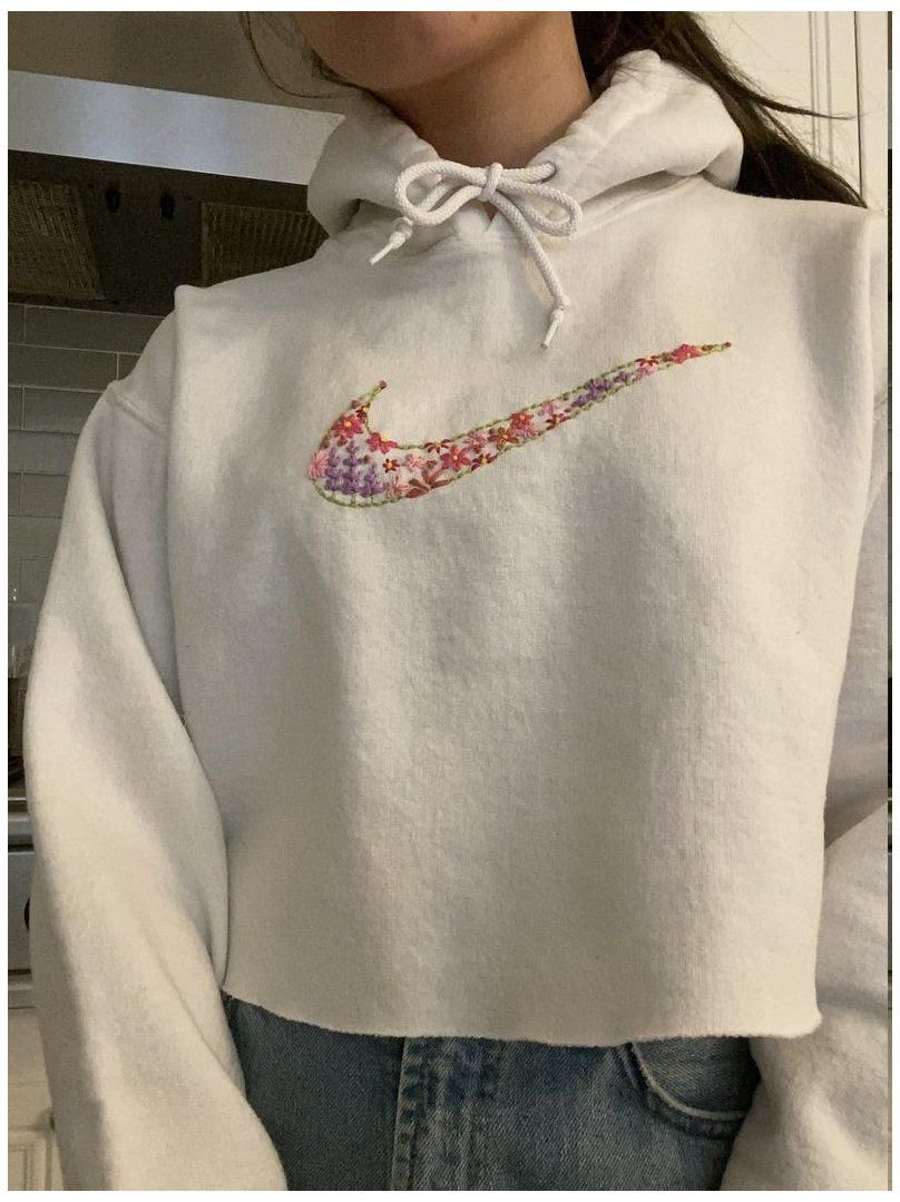 Embroidered Nike Logo Filled With Flowers On A Sweatshirt Nike Embroidered Hoodie Custom Emb Clothes Embroidery Diy Embroidered Hoodie Embroidery On Clothes [ 1079 x 808 Pixel ]