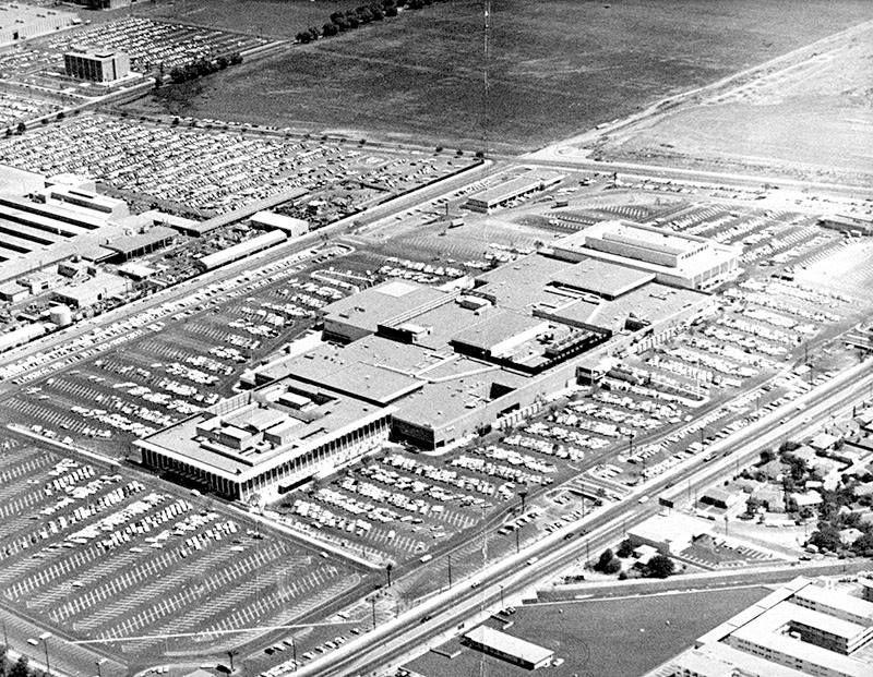 Topanga Plaza, as seen on opening day in 1964. Topanga