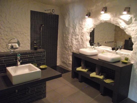 salle de bains troglodyte | demeures troglodytes | pinterest