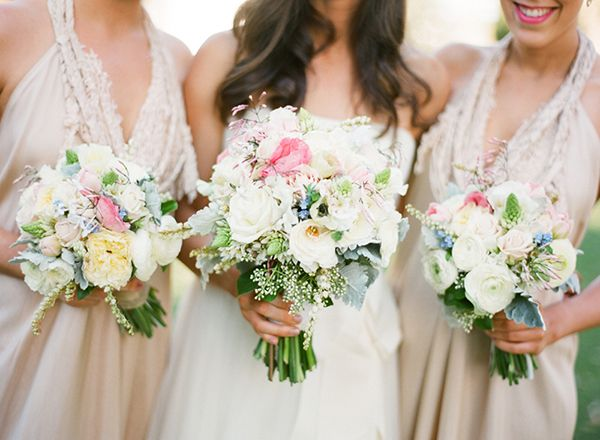 Fresh and unique spring wedding bouquet ideas for springtime brides fresh and unique spring wedding bouquet ideas for springtime brides wedding party junglespirit Image collections