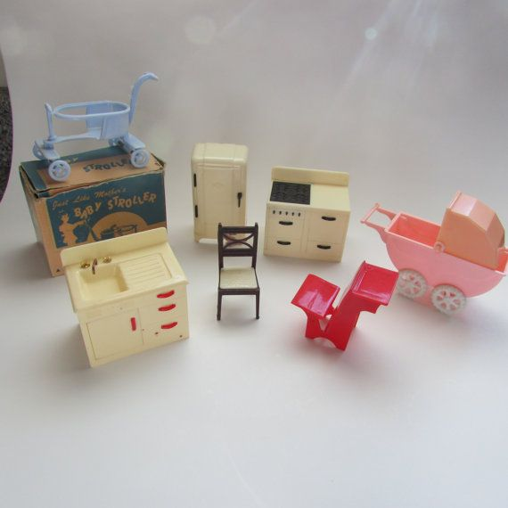 Renwal Doll House Furniture Jeryco Baby Stroller Set Of 7 Pieces  Refrigerator Stove Carriage Plastic Doll