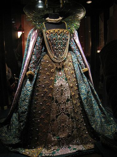 """Gown worn by Queen Elizabeth I Elizabeth I was queen regnant of England and Ireland from 17 November 1558 until her death. Sometimes called """"The Virgin Queen"""", """"Gloriana"""" or """"Good Queen Bess"""", Elizabeth was the fifth and last monarch of the Tudor dynasty"""