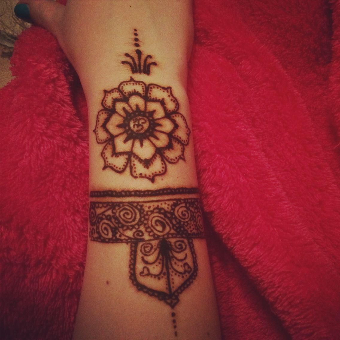 Henna tattoo om symbol yoga yoga pinterest om symbol and yoga henna tattoo om symbol yoga buycottarizona Gallery