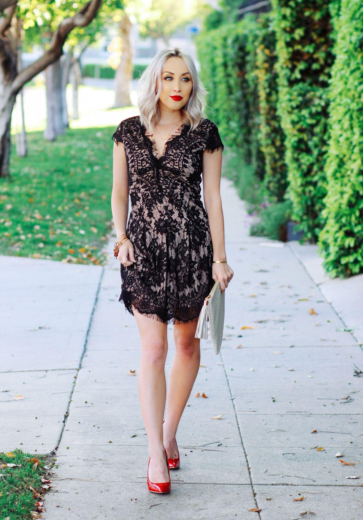 Identical Eyelash Dress For 24 Vs 165 Blondie In The City Dresses Eyelash Lace Dress Short Sleeve Dresses [ 1777 x 1240 Pixel ]