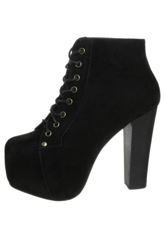 Jeffrey Campbell black Lita boots > perfectly fashionable!