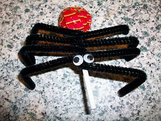 pinterest 365 day 141: lollipop spiders inspired by the awesome ones philippa from the house of baby piranha made :)