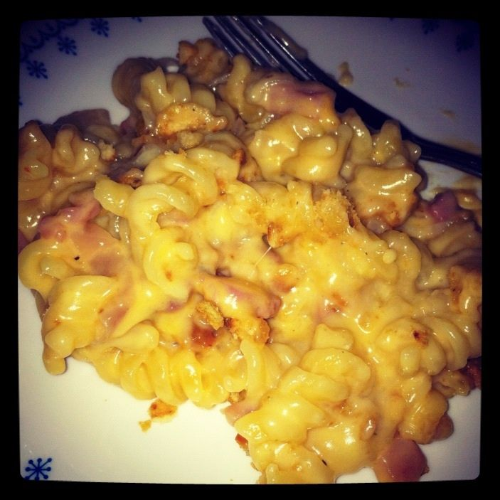 Homemade Mac And Cheese With Shallots And Ham Food