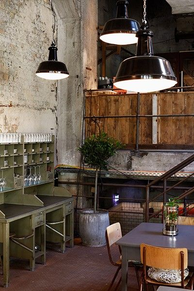 Pin By Eva On Berlin Essen With Images Industrial Interior Design Bar Restaurant Interior Restaurant Interior