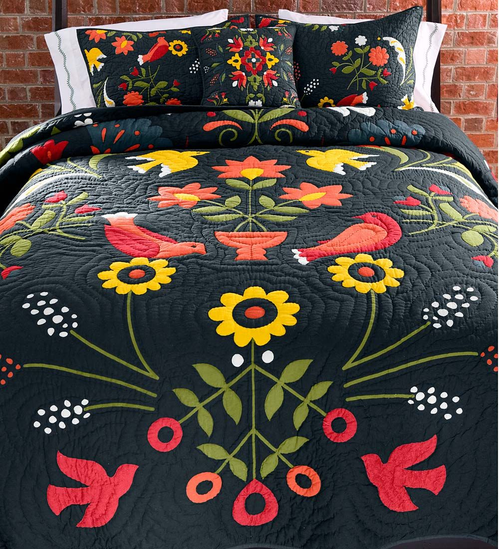 king ansley folk art quilt set | christmas decor | pinterest