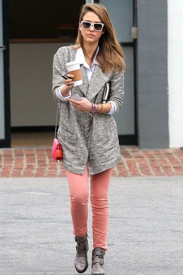 5332859064c13 Our November cover star Jessica Alba's chic street style | http://glamour.