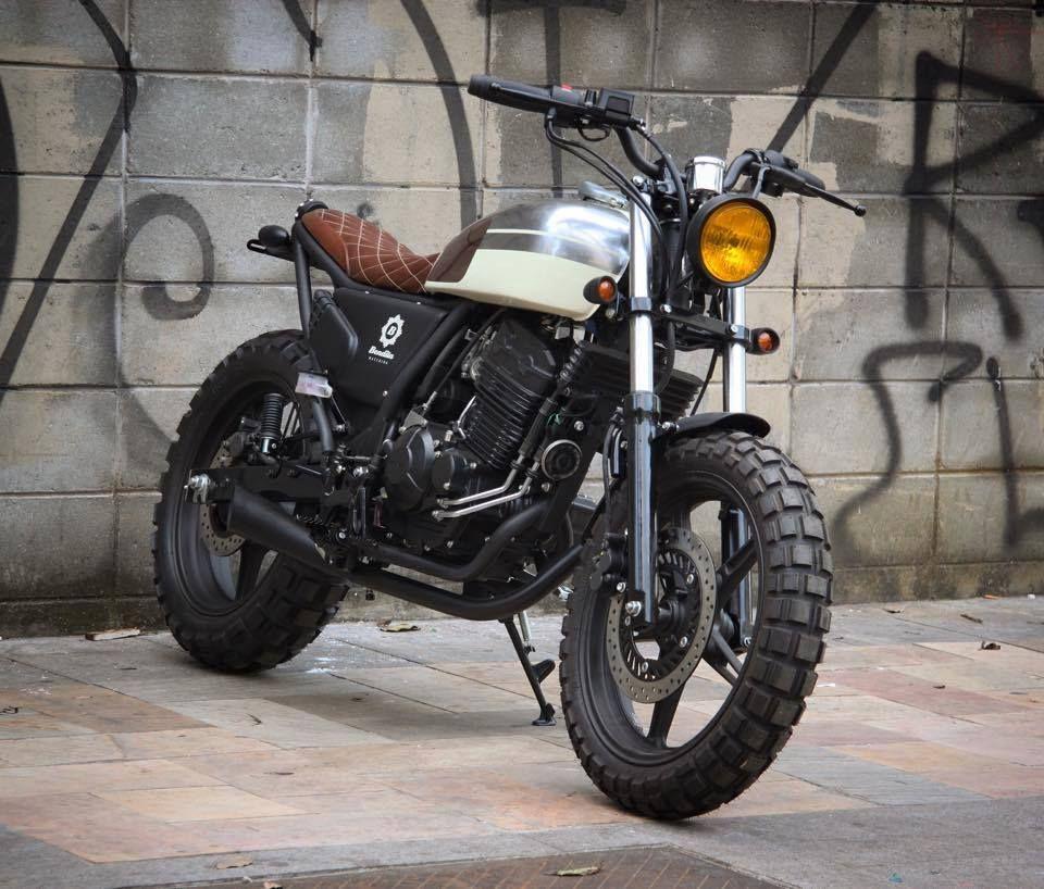 Honda CB 300 - Bendita Macchina
