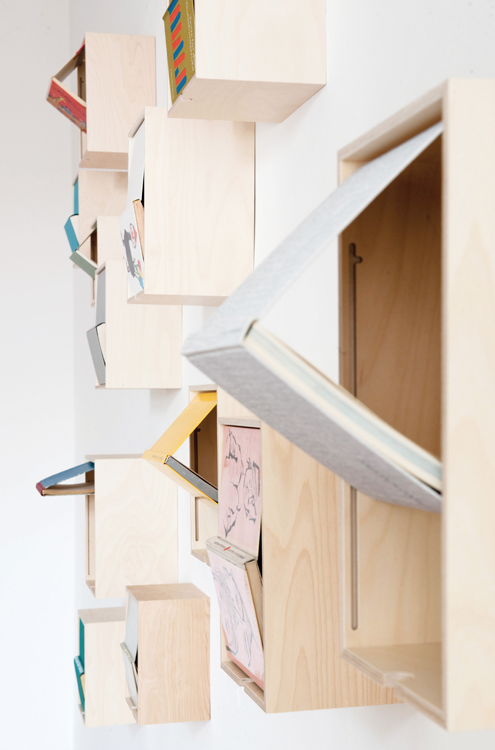 AUST&AMELUNG : BOOK BOX Smart solution to present beloved books! Closing the book opens the box... I need more walls...