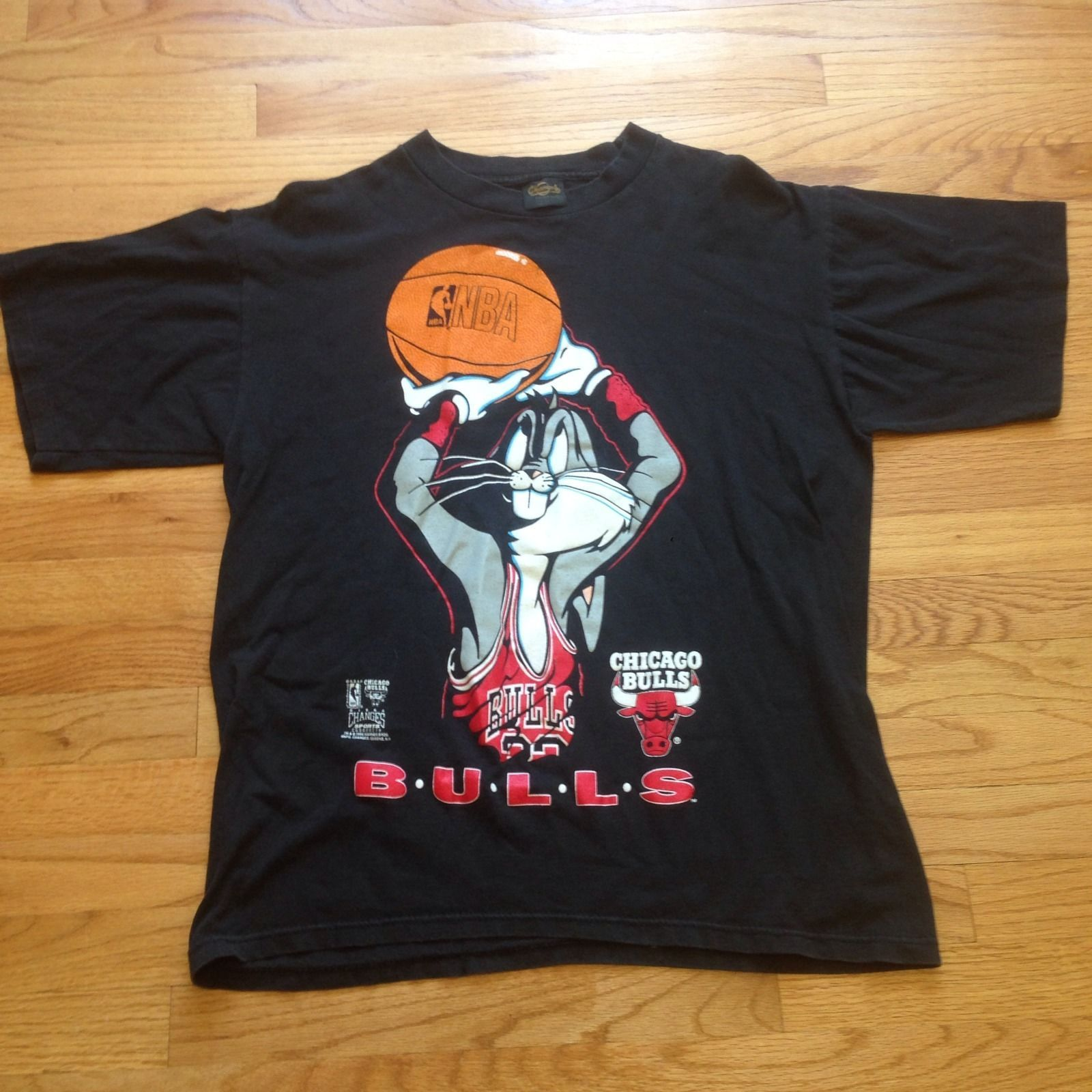 92bf28327cdd2f Vtg 90s Chicago Hare Jordan Bulls T Shirt XL Space Jam Bugs Bunny Loone  Tunes