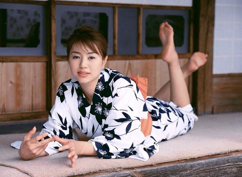 Haruka-Igawa-Feet-1506901.jpg (1000×730)