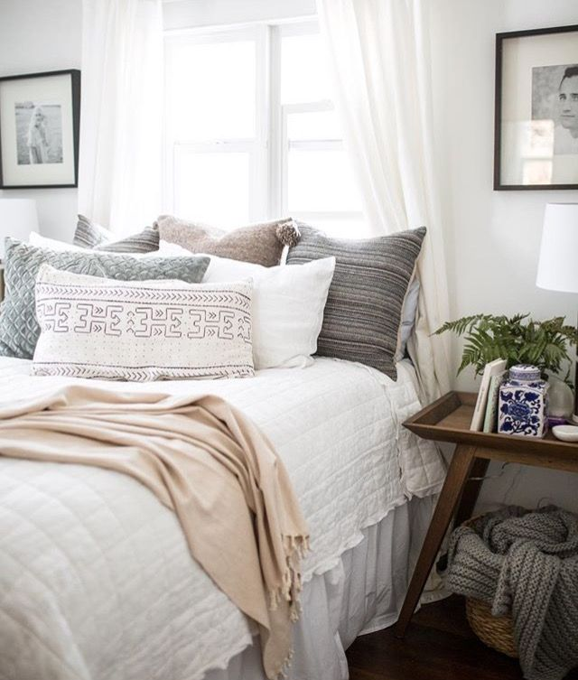 Love White Linens With Lots Of Pillows From Isla Bedroominspo