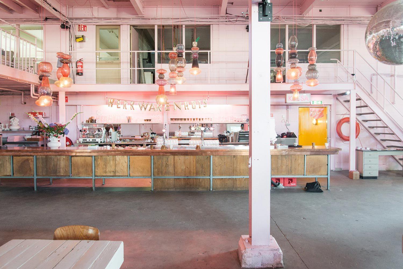 Roze interieur in het Werkwarenhuis in Den Bosch | Ideas for Home ...