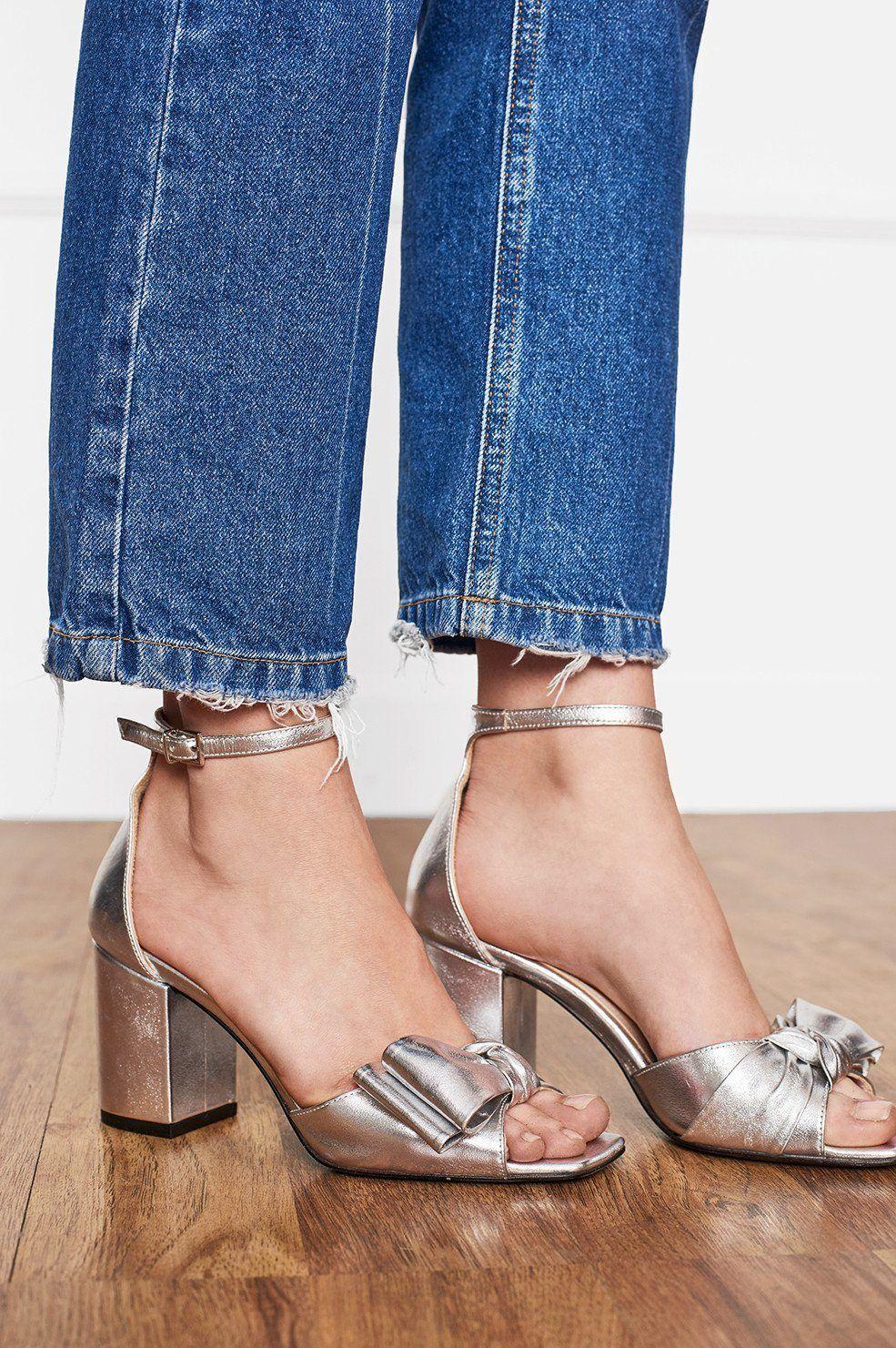 5f91b66fa7621 ANINE BING Silver Bow Sandals