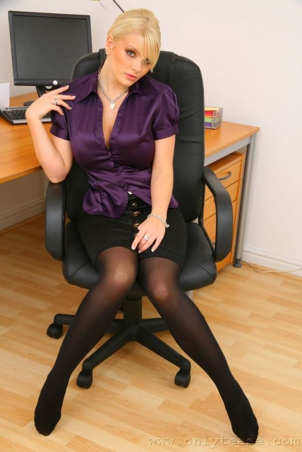 Sexy secretary faith | Porn gallery)