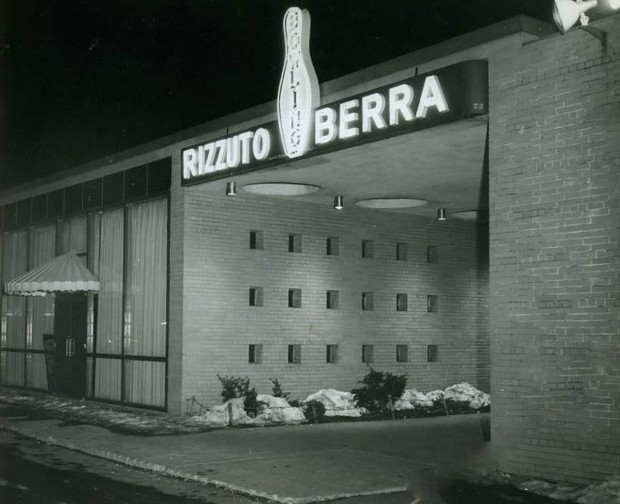 Rizzuto Berra Bowling At Styertowne Shopping Center In Clifton Clifton Bowling Menlo Park Mall