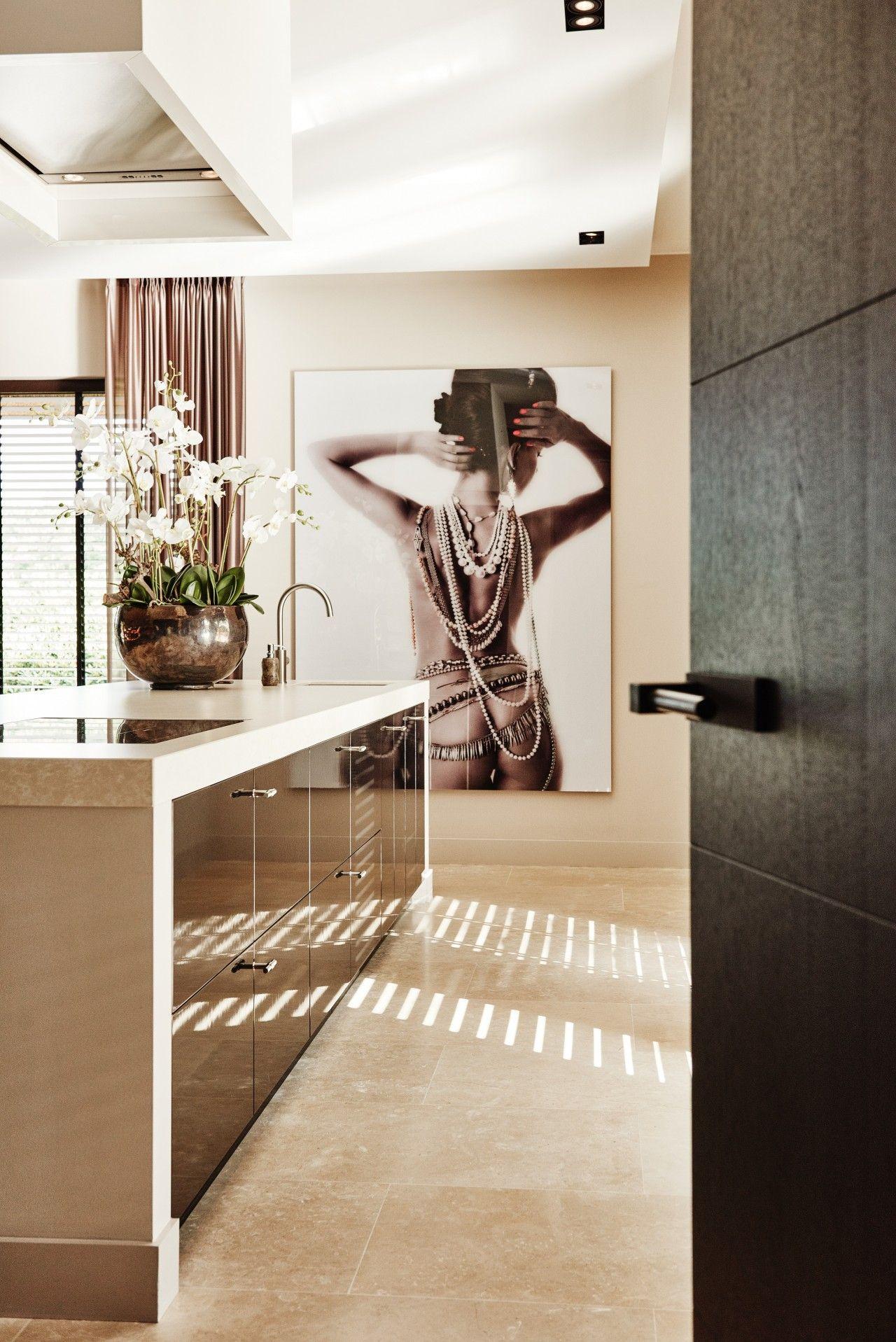 Onwijs dat schilderij!! heel gaaf | Interior in 2019 - Huis interieur IQ-47