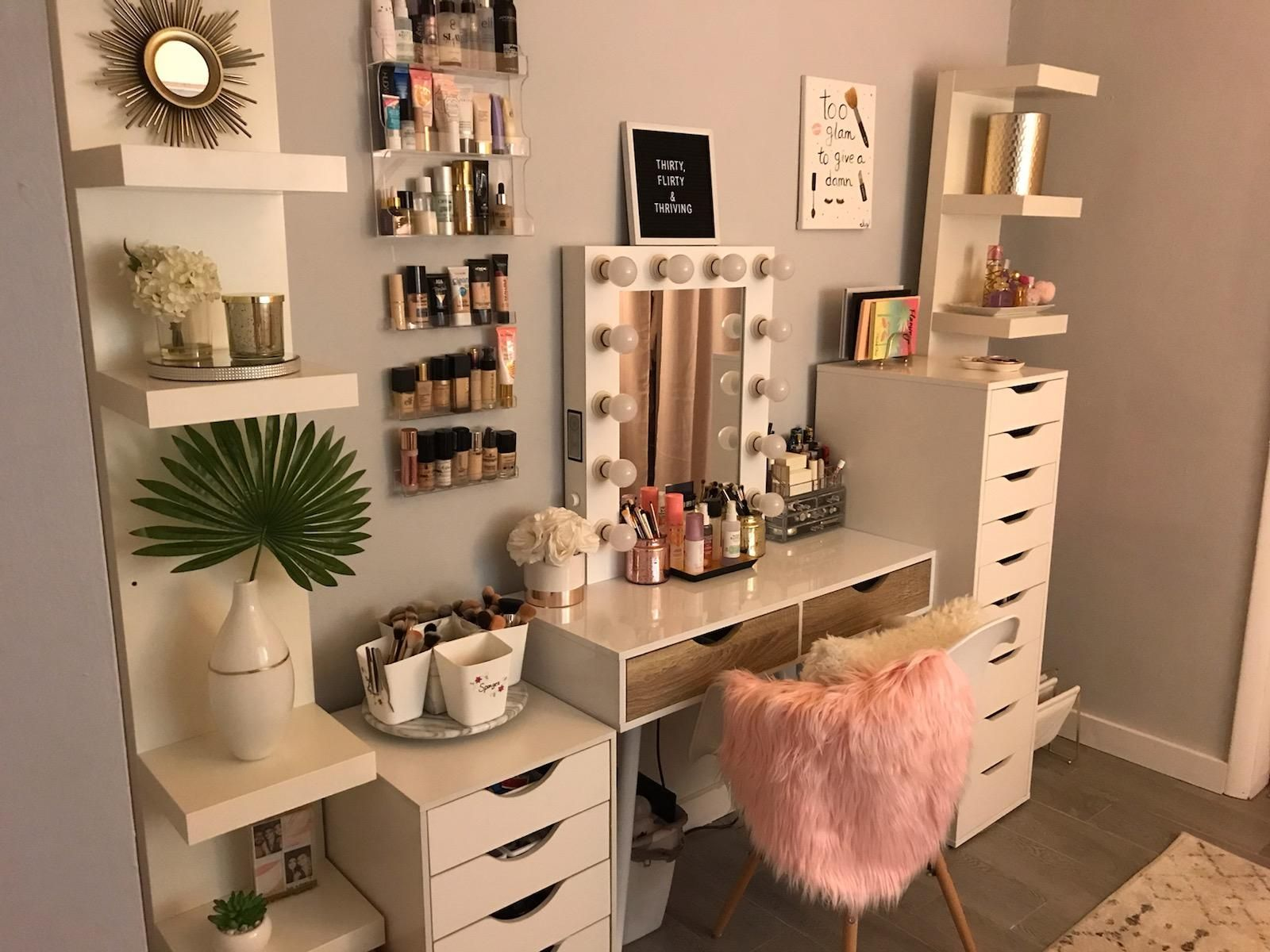 My Girlfriend Doesn T Have Reddit So I Ll Do Some Showing Off For Her Makeuporganization Modern Bedroom Furniture Room Decor Bedroom Room Decor