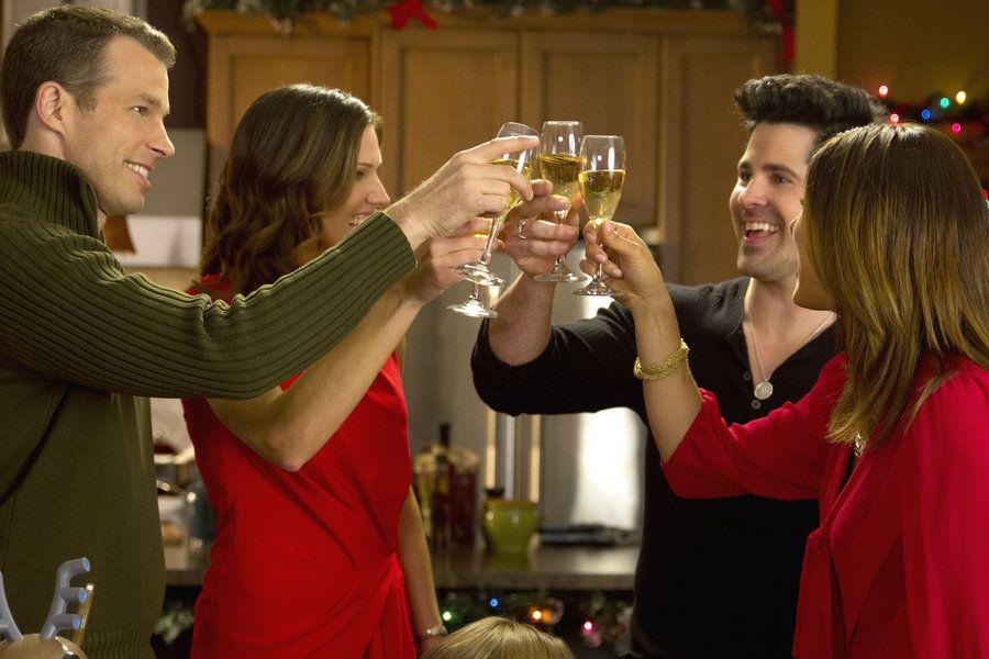 hallmark channel original movie finding christmas tricia helfer jt hodges mark lutz cristina rosato - Finding Christmas Hallmark