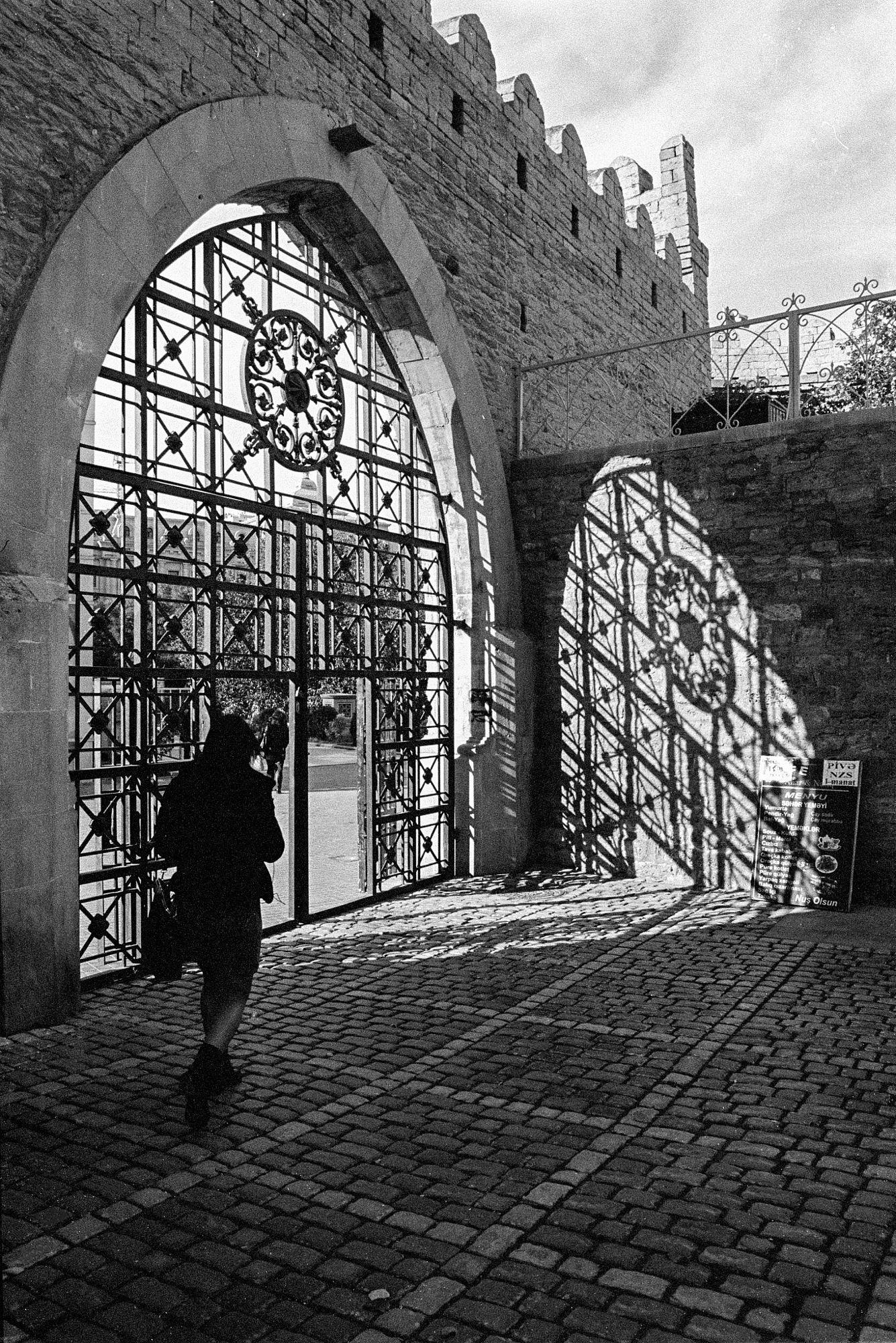 Pin By Christine Elliott On Azerbaijan Baku Azerbaijan Gate Baku