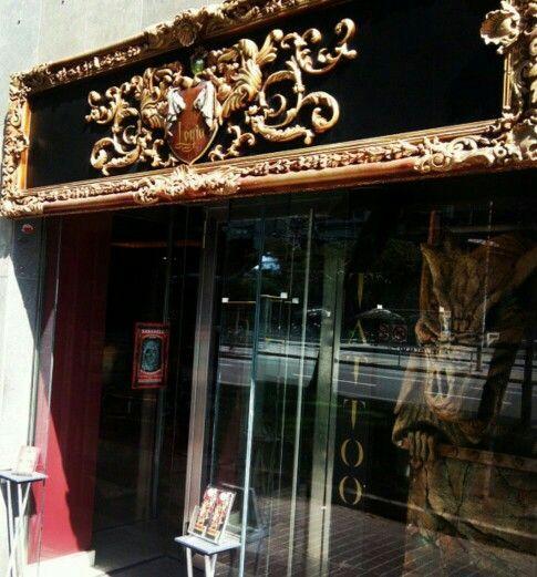 entrada del local logia tatto barcelona