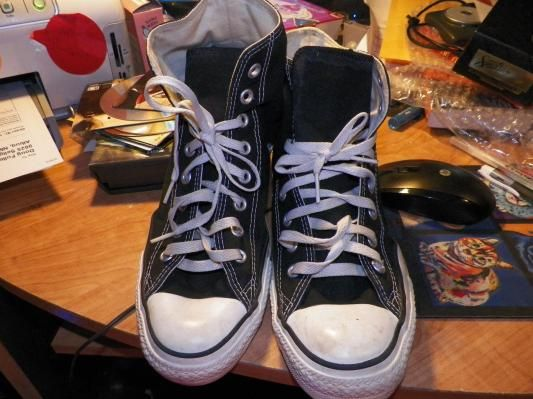 Mens sneakers CHUCKS Converse all stars mens size 9 Free shipping