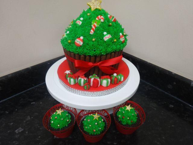 Giant Christmas Tree Cupcake On Present Bling Trim Base