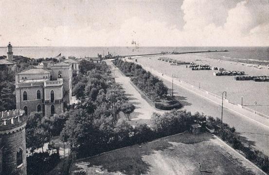 Rimini 1930 circa Lungomare verso il porto