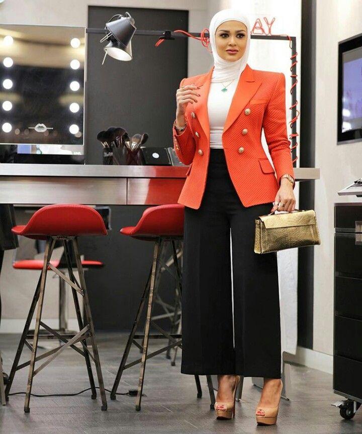 Pin By Annette Glover On Mrmr 4 Muslim Women Fashion Hijab Style Casual Hijabi Fashion