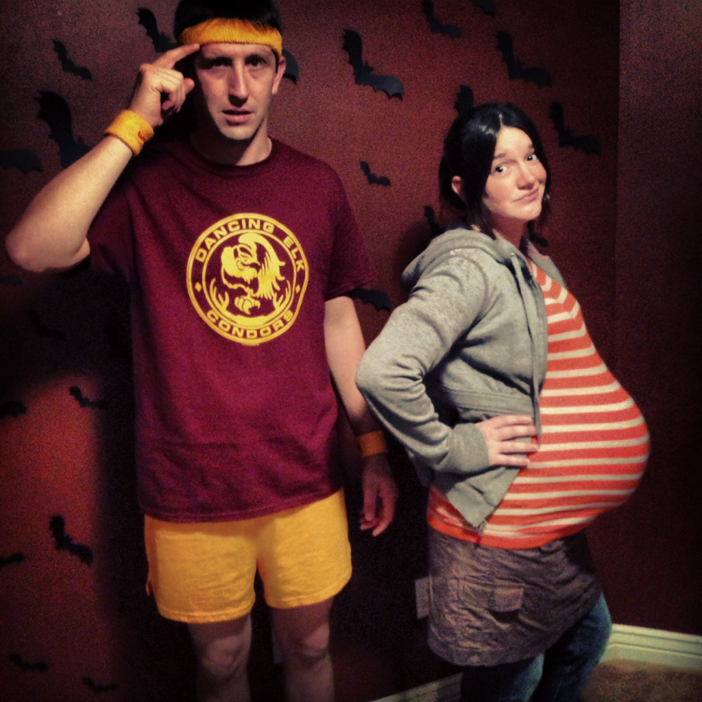 its hard to come up with a good couples costume when youre pregnant - Pregnant Halloween Couples Costumes