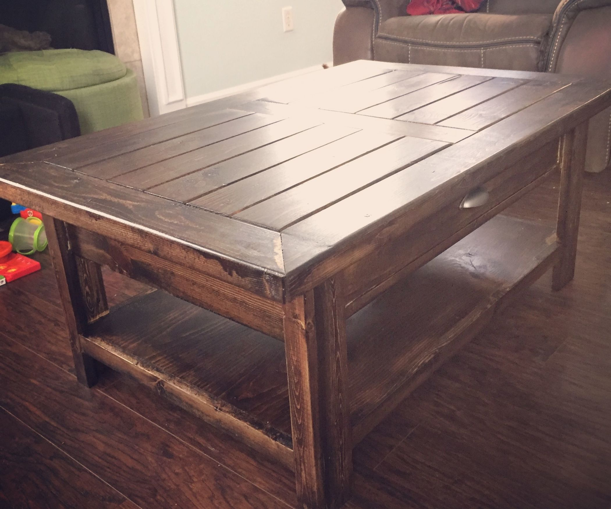 After Looking At Multiple Coffee Tables To Purchase I Set Out Build A Relatively Inexpensive Rustic Table For My Home Invest Roughly 10 Hours Of